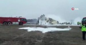 Kazakistan'da askeri uçak düştü: 4 ölü, 2 yaralı