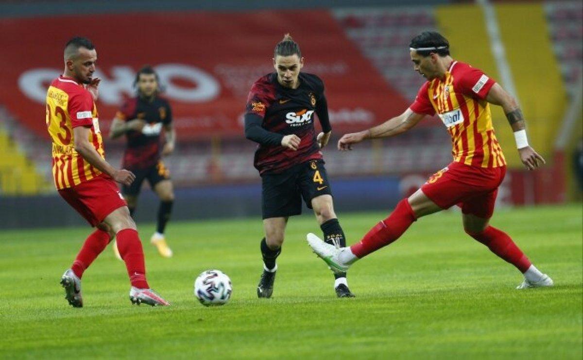Galatasaray da Taylan Antalyalı cezalı duruma düştü #1