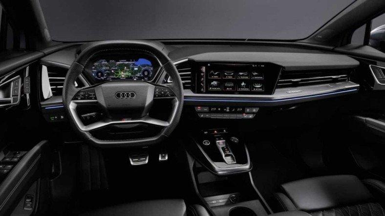 Navigasyon Bilgilerini Direkt Yola Yansıtacak Audi Q4 e-tron'un İç Mekan Fotoğrafları Paylaşıldı