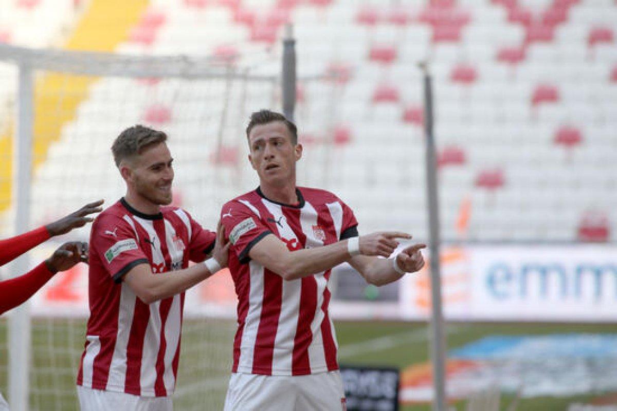 Sivasspor, Fatih Karagümrük ü tek golle geçti #2